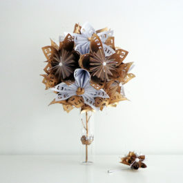 Bouquet mariée origami blanc / or et boutonnière homme assortie