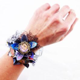 Bracelet mariage fleur geek en papier Marvel – Bracelet pour témoin de mariage geek