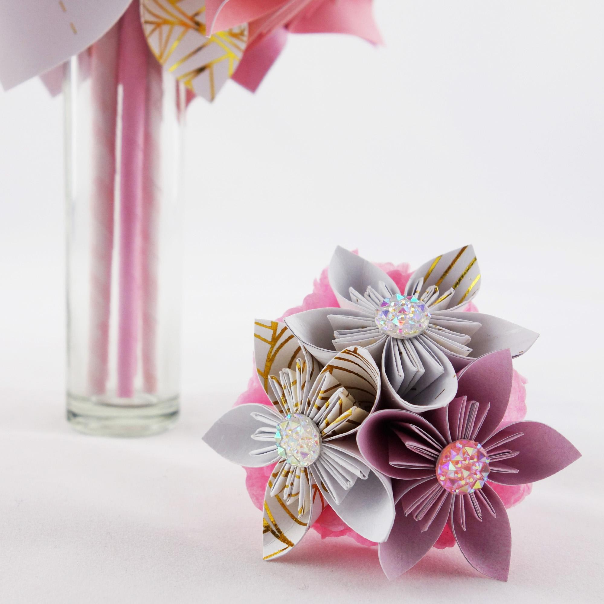 bouquet de fleur en papier origami. Black Bedroom Furniture Sets. Home Design Ideas