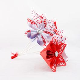 Bouquet mariage origami personnalisé à lancer de six fleurs rockabilly / guinguette